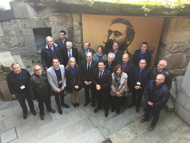Foto de familia das e dos participantes na reunión da Comisión Delegada do CCG, que se celebra hoxe e mañá na localidade ourensá de Celanova