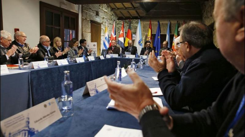A Comisión Delegada, na súa sesión de inauguración. Foto: La Voz de Galicia