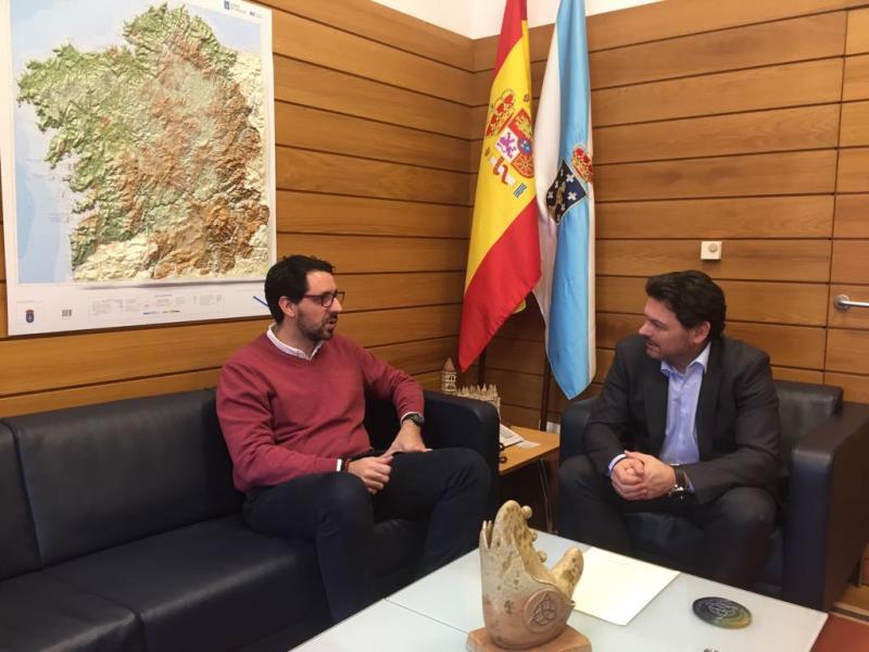 El secretario xeral da Emigración agradeció al vicecónsul de España en Valencia el trabajo que hace en coordinación con la Hermandad Gallega