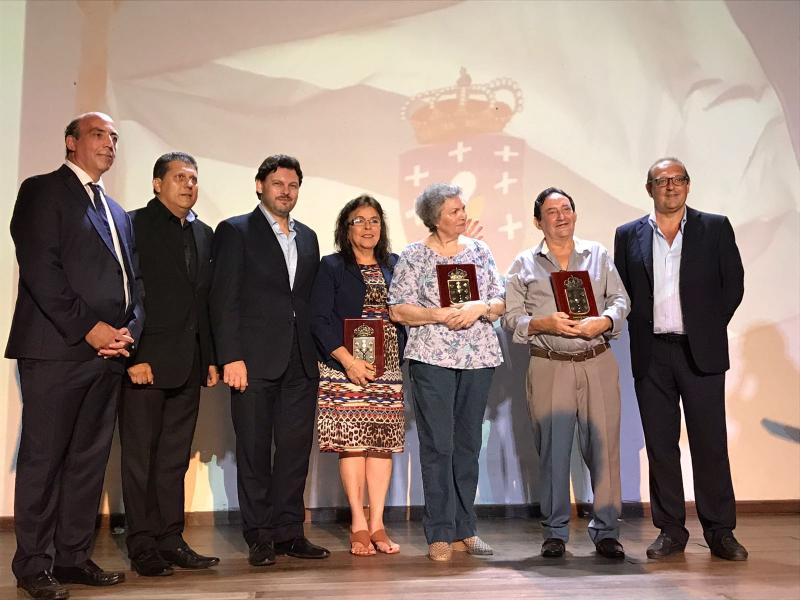O secretario xeral da Emigración participou tamén nun acto homenaxe co que quixo agradecer persoalmente a varias e varios dos máis estreitos colaboradores desinteresados da Xunta de Galicia