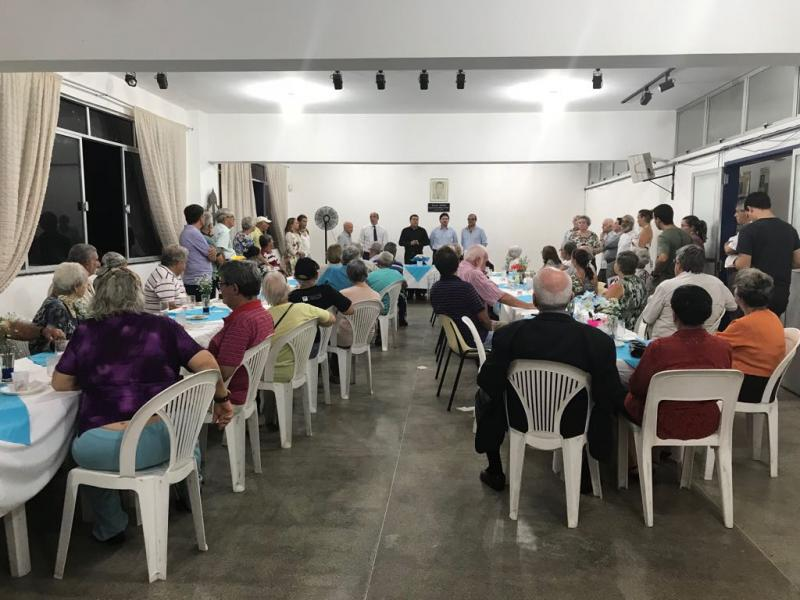 Encontro coas e cos maiores na Asociación Caballeros de Santiago de Salvador de Baía