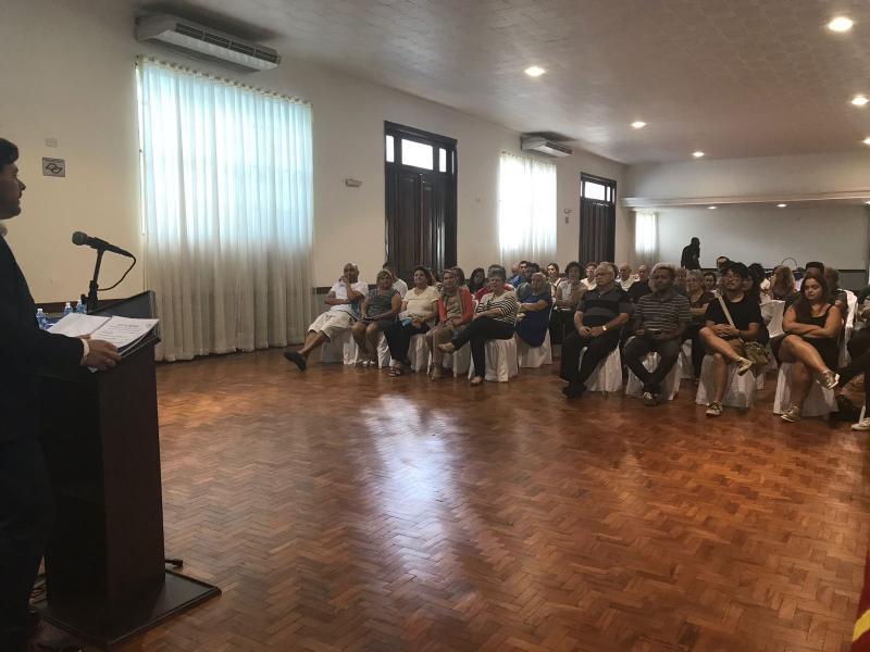 Miranda tamén presidiu a charla informativa sobre as medidas de fomento do retorno que o Goberno galego ten en marcha, á que asistiron preto dun cento de persoas