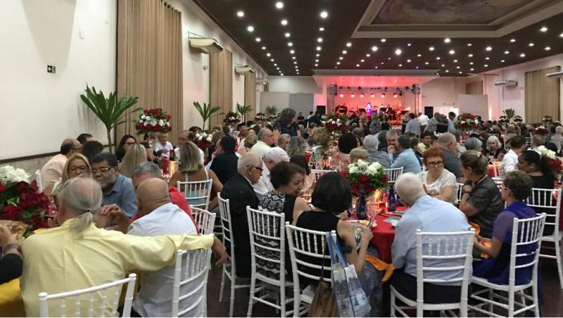 Miranda finalizó el programa de oficial de su estadía en el Brasil participando en la celebración del 123 aniversario del Centro Espanhol y Repatriação de Santos