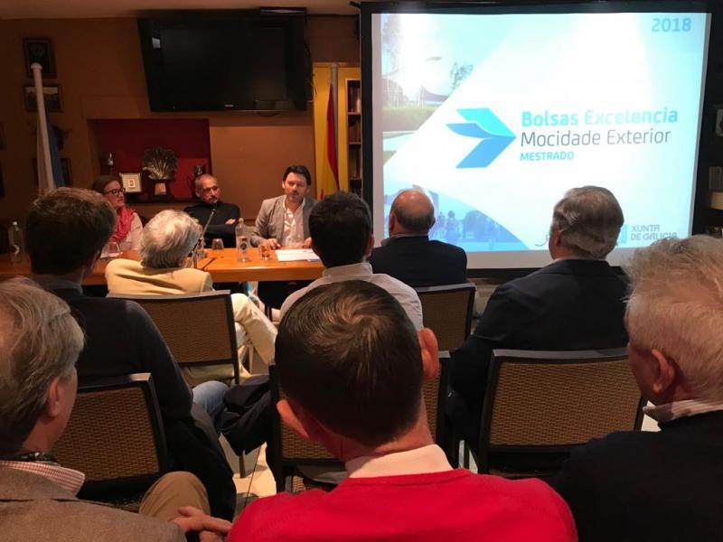 Imagen de la charla informativa en el Centro Galego de Londres