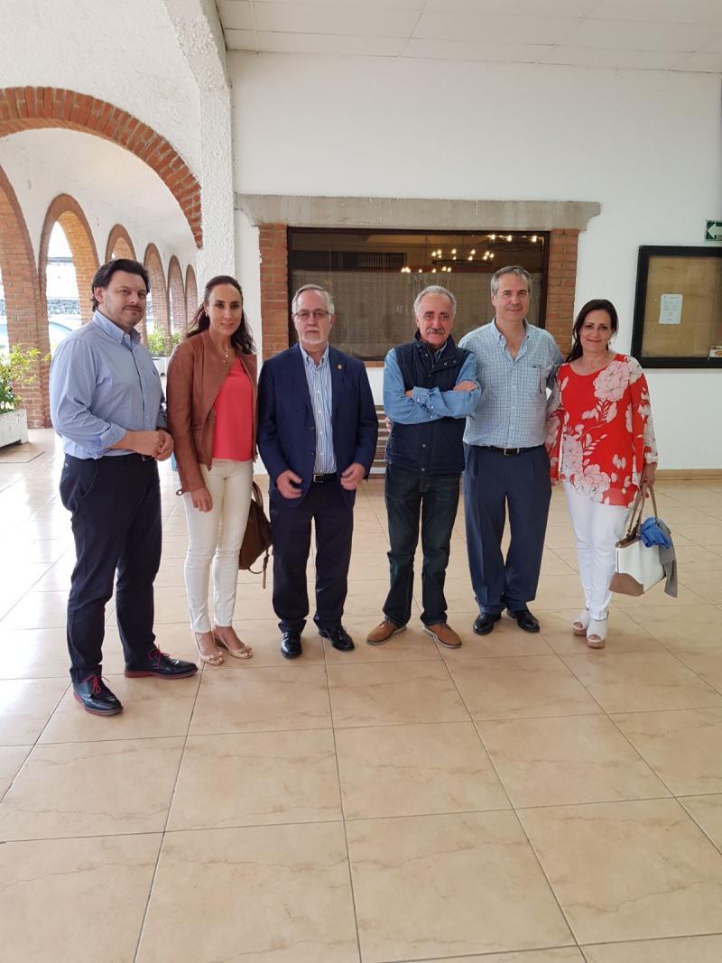 Miranda, coa directiva do Centro Gallego de México