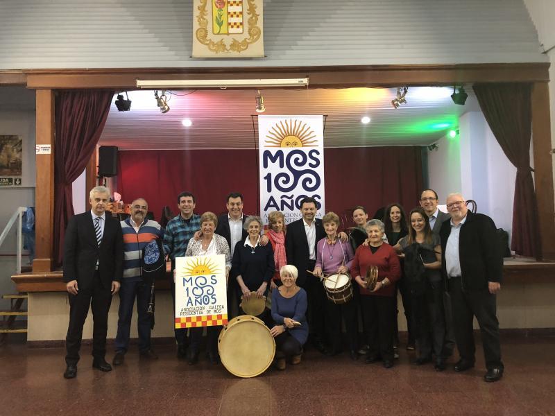 Imaxe da visita á Asociación Galega Residentes de Mos, que este ano celebra o seu centenario