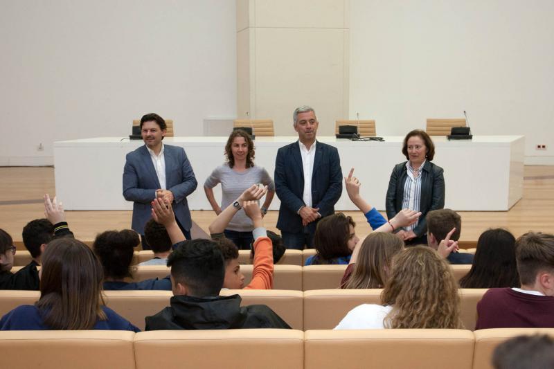 Estas e estes 44 estudantes de galego en Londres teñen idades comprendidas entre os 12 e os 16 anos