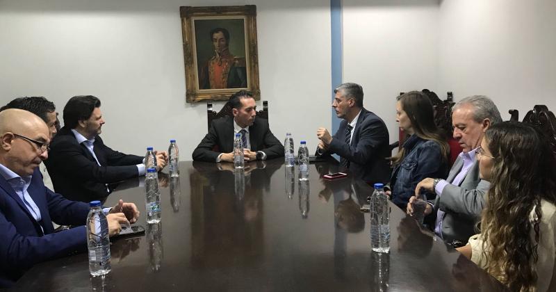 Miranda y De la Campa se reunieron también con la directiva de la Federación de Centro  Españoles de Venezuela ( Feceve)