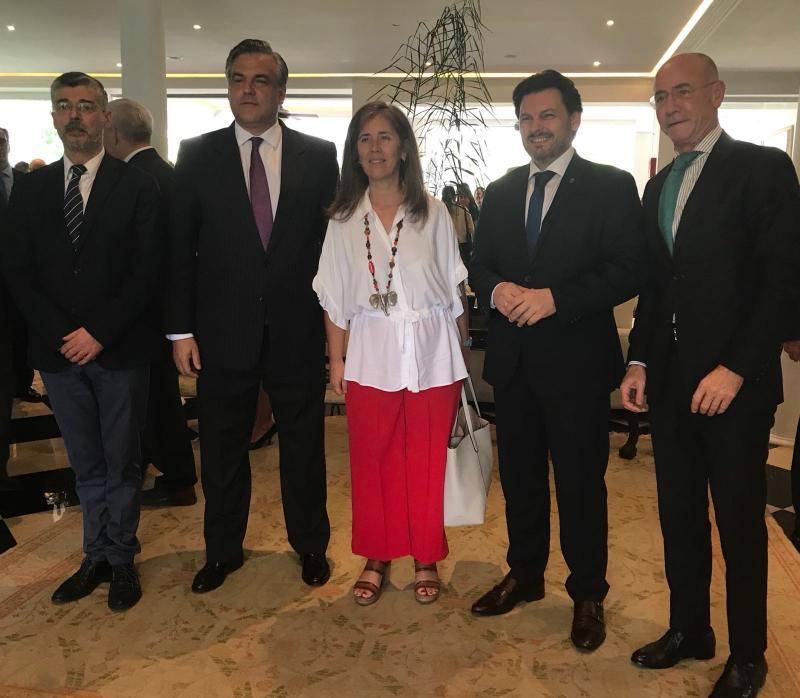 El secretario xeral da Emigración también asistió en Caracas a la recepción de las Fuerzas Armadas españolas