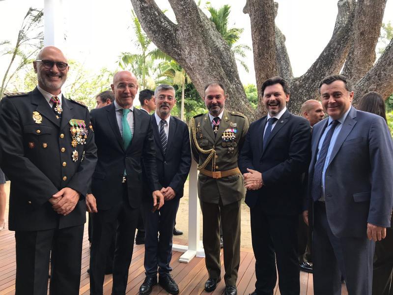 O secretario xeral da Emigración tamén asistiu en Caracas á recepción das Fuerzas Armadas españolas