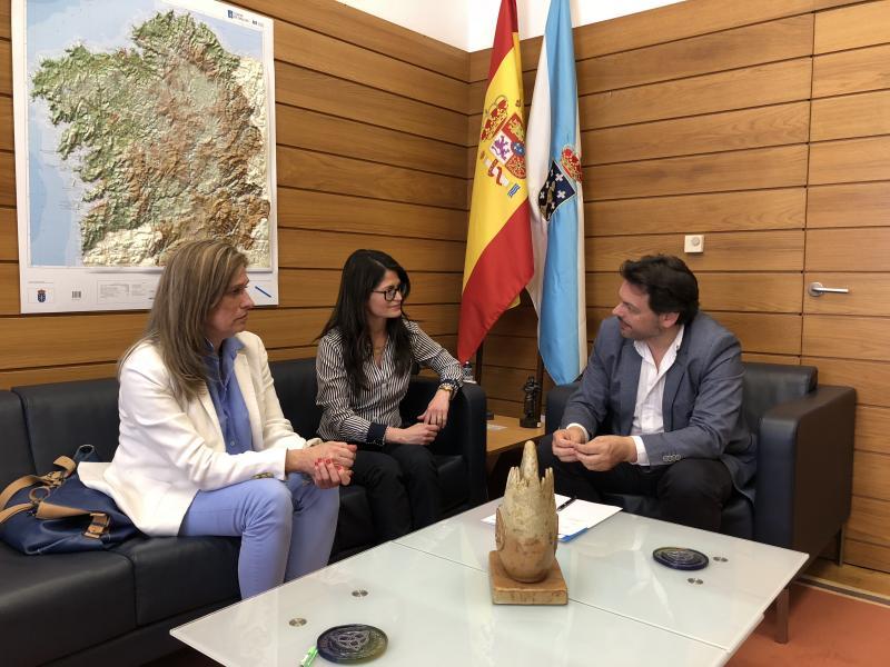 O secretario xeral da Emigración recibiu á presidenta e á secretaria da recentemente constituída VeneLugo