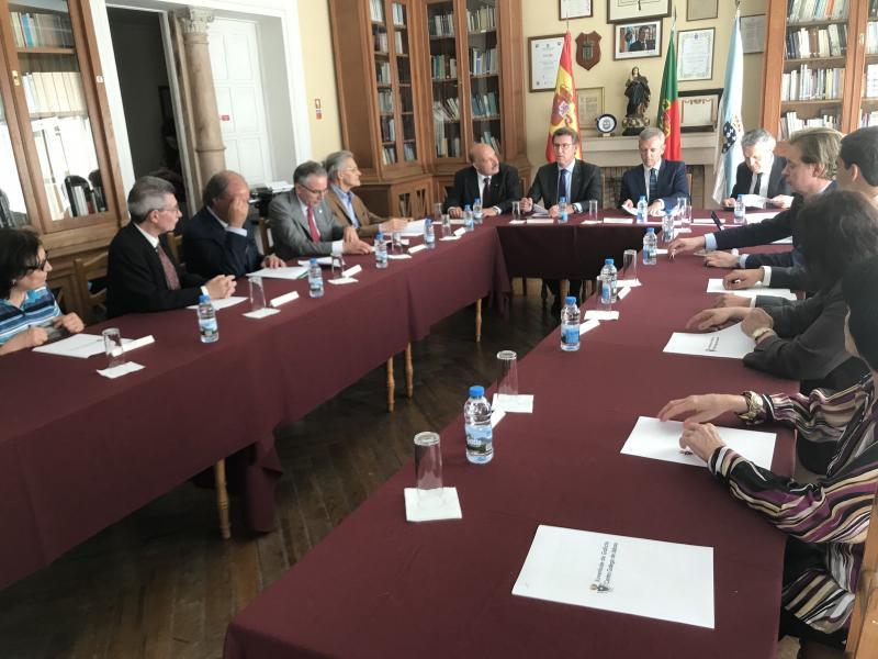 O presidente da Xunta asistiu esta tarde á recepción do Centro Galego de Lisboa, onde mantivo unha reunión coa súa directiva
