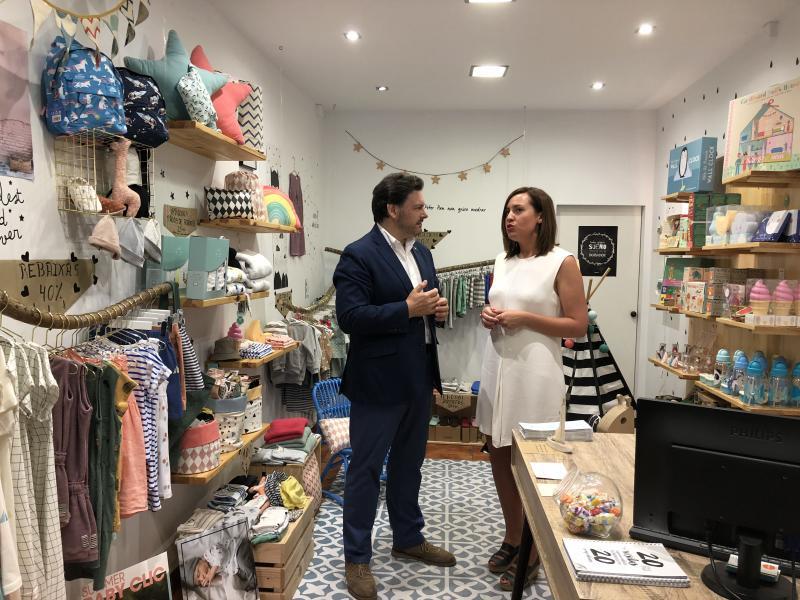 Adriana Asorey abriu unha tenda de decoración e roupa de nenos e nenas en Santiago de Compostela logo de traballar cinco anos como consultora enerxética en Bélxica