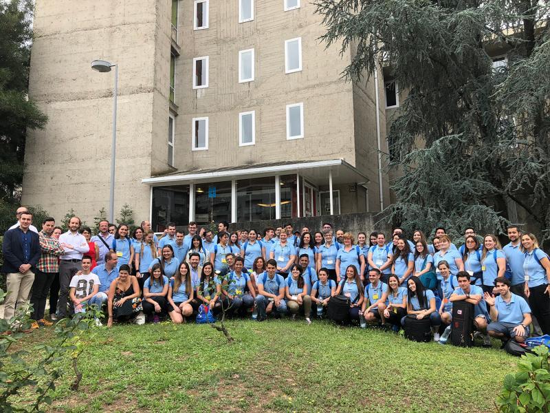 """Miranda anima a los 70 participantes en el programa """"Escolas Abertas 2018"""" a exprimir la cultura gallega para exportarla al resto del mundo"""