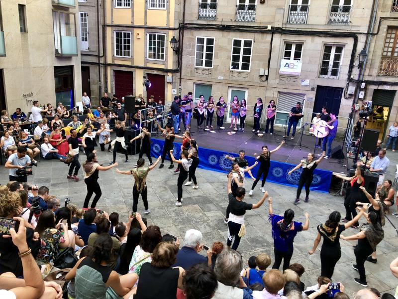 Foto grupo baile gala clausura Escolas Abertas 2018