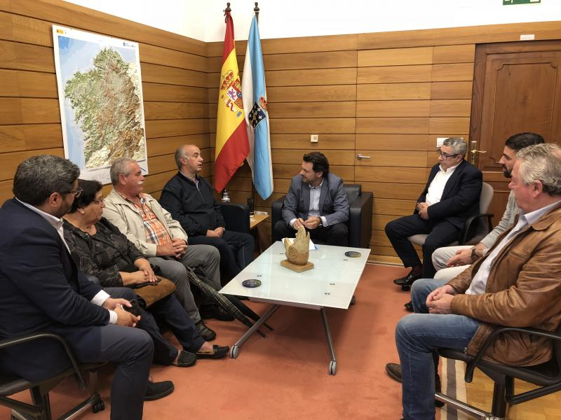Imaxe da reunión celebrada na sede da Secretaría Xeral da Emigración en Santiago de Compostela