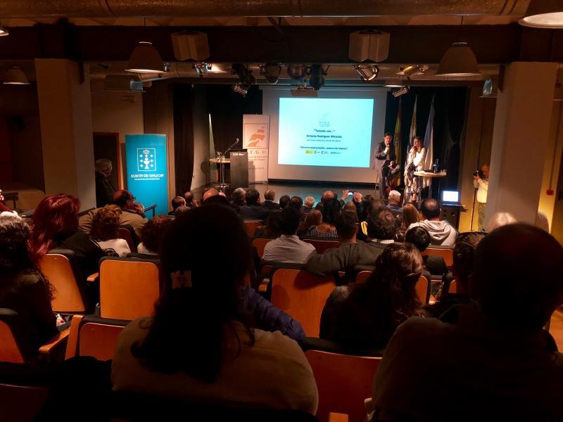 """Miranda falou do retorno emprendedor no ciclo """"Falando con..."""" da Asociación de Empresarios Galegos do Uruguai (Aegu)"""