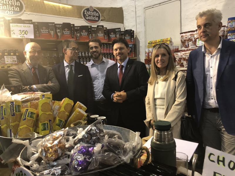 Imaxe da visita ao pavillón de España en ExpoPrado, o evento feiral máis importante do país