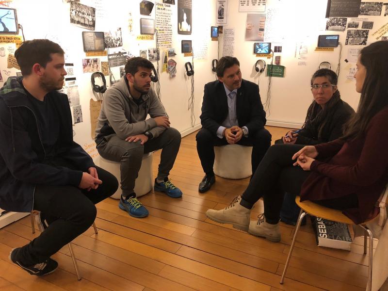 Miranda tamén se reuniu coas e cos beneficiarios da segunda promoción das Bolsas Excelencia Mocidade Exterior