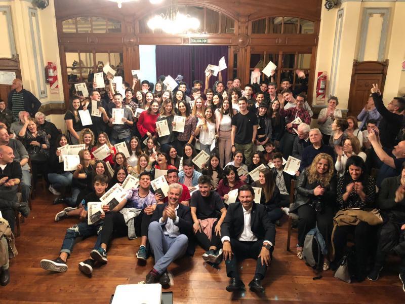 El secretario xeral da Emigración entregó las 'compostelas' -la certificación de haber realizado el Camino de Santiago- a las y los jóvenes participantes en el Conecta con Galicia 2018