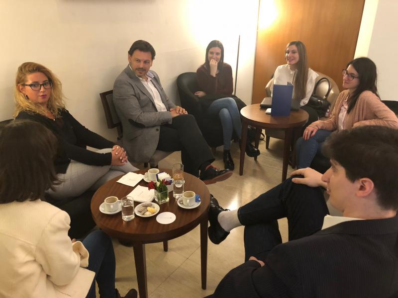 Foto del encuentro con las y los becarios BEME