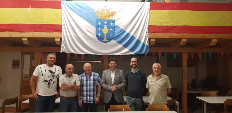 Miranda inicia a súa viaxe a Alemaña cun encontro con socios e directivos da Asociación Cultural Galega de Hamburgo