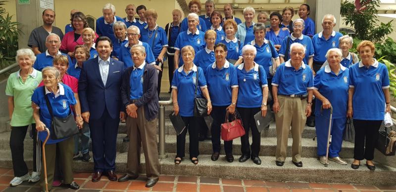 Na imaxe, o secretario xeral da Emigración, na súa visita ao Centro de Día da Hermandad Gallega de Venezuela en Caracas