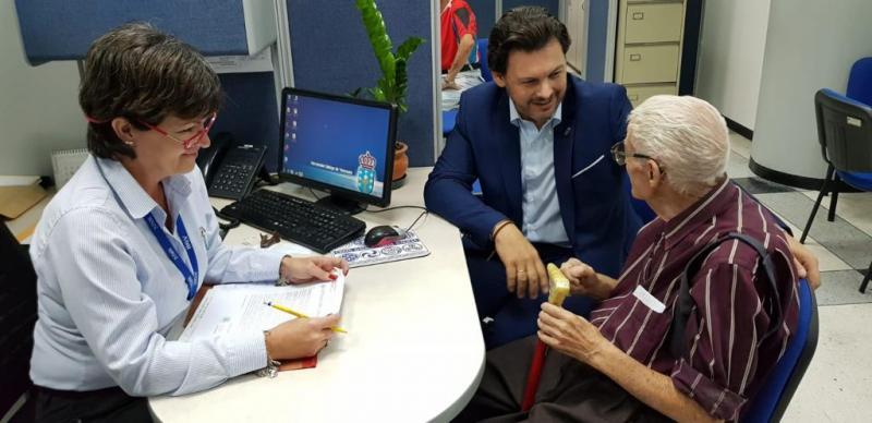Antonio Rodríguez Miranda, en su visita a la Oficina de Asuntos Sociales de la Hermandad Gallega de Venezuela en Caracas
