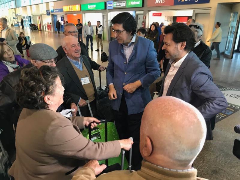 Imaxe da chegada esta mañá ao aeroporto de Vigo das e dos participantes procedentes do Uruguai