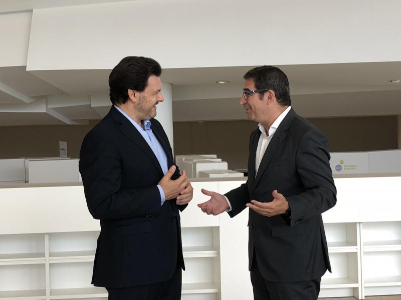 O secretario xeral da Emigración e o presidente do clúster TIC de Galicia analizaron a estratexia conxunta de inserción laboral dos mozos e mozas e persoal cualificado galego residente no exterior