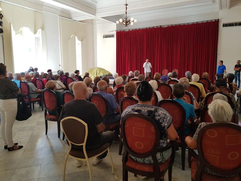 Un dos obxectivos principais desta visita do secretario xeral da Emigración a Cuba era coñecer de primeira man a evolución da situación que viven as cidadás e os cidadánsgalegos da capital