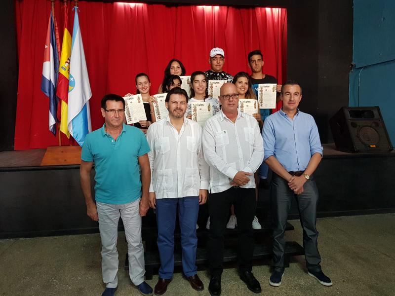 Las y los siete jóvenes que participaron en el 'Conecta con Galicia 2018' de Emigración recibieron sus Compostelas