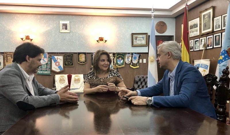 A axenda oficial do secretario xeral da Emigración en Mar del Plata concluíu, xa á tarde, cun encontro coa vicecónsul de España nesta rexión da Arxentina, Claudia Álvarez Argüelles