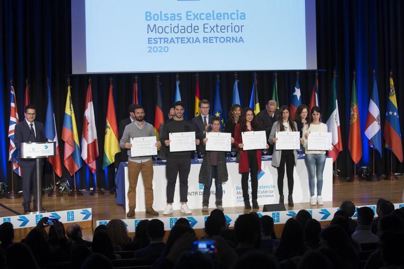 El presidente de la Xunta anunció que habrá 250 plazas disponibles el próximo curso