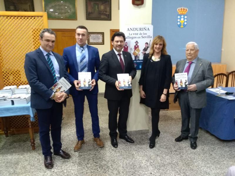 El libro presentado hoy está basado en la tesis doctoral de la directora de la revista 'Anduriña' del Lar Gallego de Sevilla, Marián Campra García de Viguera