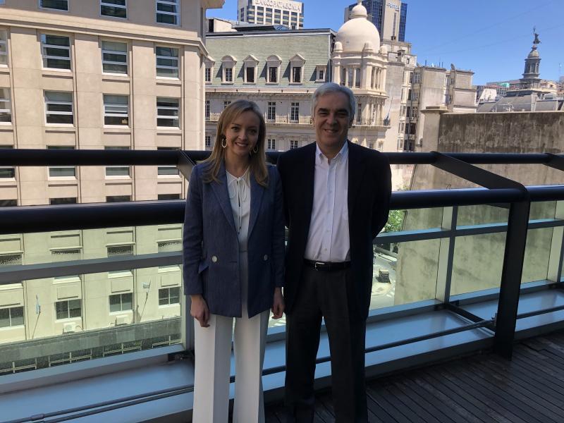 A conselleira de Política Social e o embaixador de España na Arxentina abordaron a situación actual da colectividade galega máis numerosa do mundo