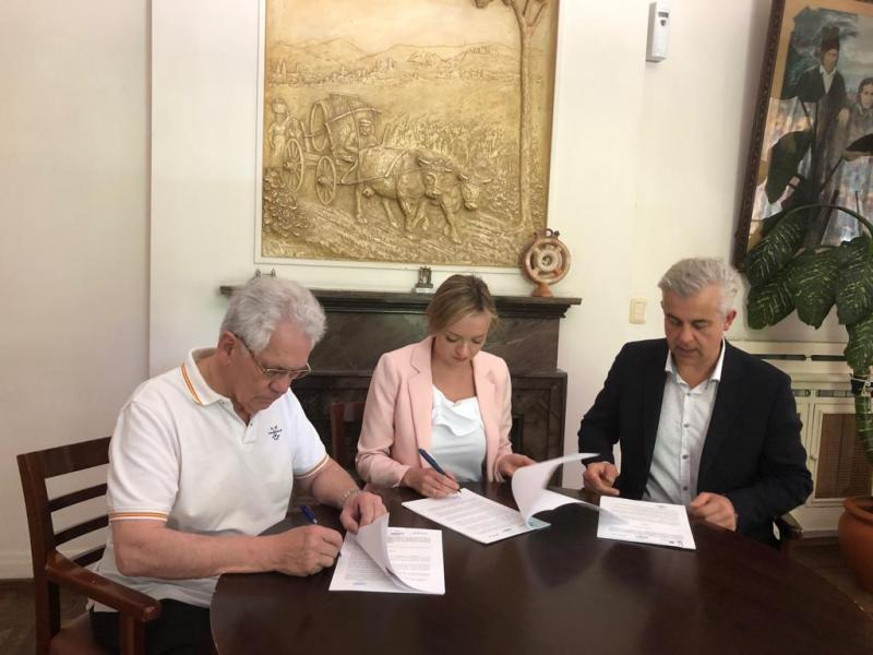 Fabiola García enmarcou este convenio no compromiso irrenunciable que o Executivo autonómico ten coa Galicia exterior