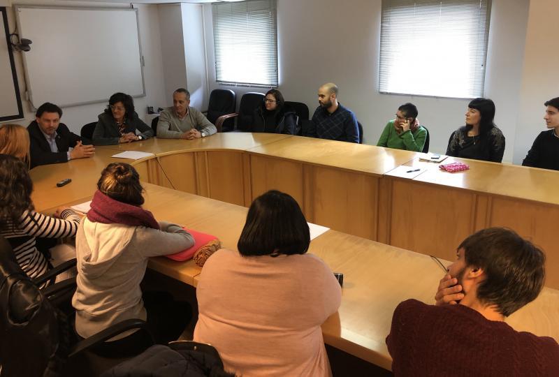 El secretario xeral da Emigración también se reunió con las y los beneficiarios de las Becas Excelencia Juventud Exterior que cursan un máster en el campus de Lugo
