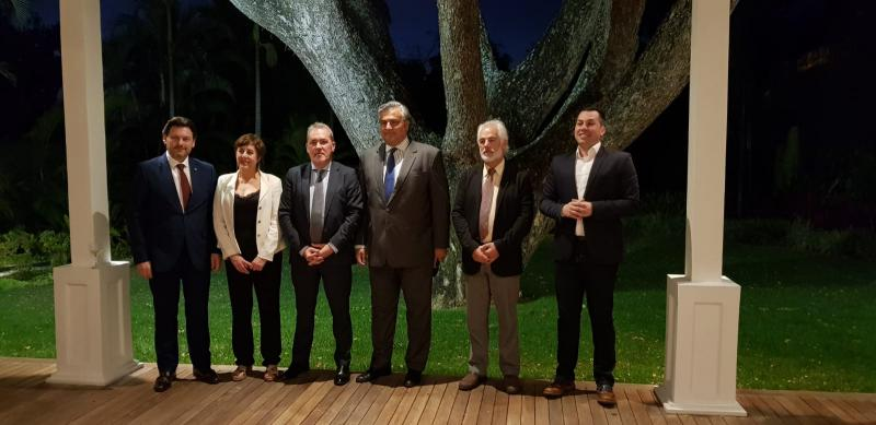 Trala reunión do Padroado da Fundación España Salud, Miranda participou nun encontro co embaixador de España en Caracas, Jesús Silva