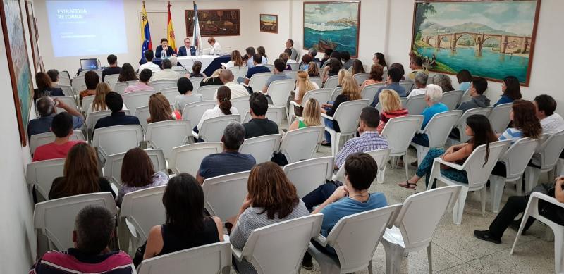El secretario xeral da Emigración, en la presentación en Caracas de la convocatoria 2019 de las BEME y las Becas Retorno FP