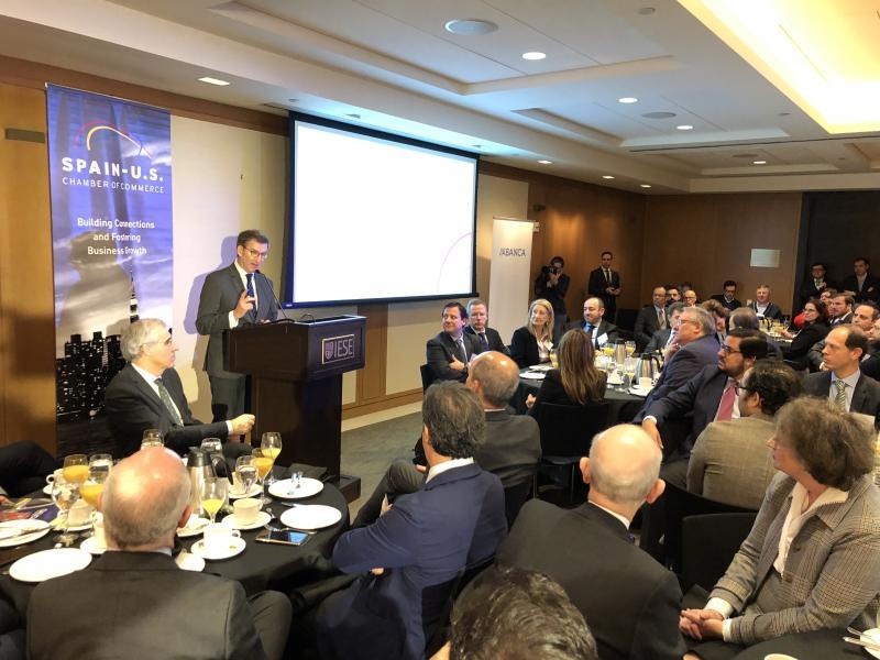 O titular da Xunta continuou hoxe a súa viaxe cun almorzo con empresarias e empresarios, organizado pola Cámara de Comercio de España en Nova York