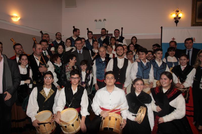 Imagen del encuentro del presidente de la Xunta Galicia con la colectividad gallega en la Casa Galicia de Nueva York
