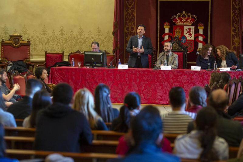 Imagen de la jornada que se está celebrando hoy en el Paraninfo de la Universidad de Santiago de Compostela