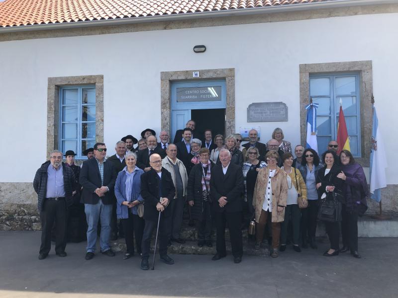 O edificio, construído e doado pola ABC do Partido de Corcubión, inaugurouse en 1930 como a terceira escola dun total de catro que a asociación construíra no Partido Xudicial de Corcubión
