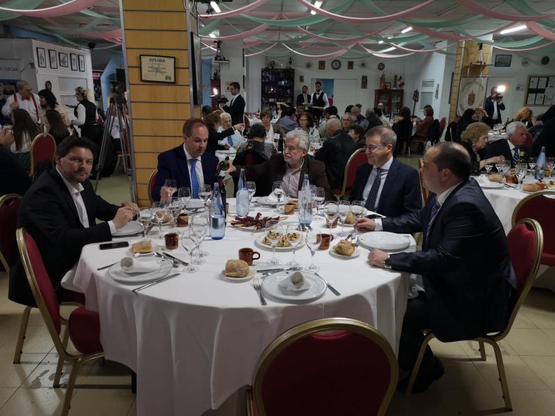 El secretario xeral da Emigración agradeció a la agrupación su trabajo y colaboración en la defensa del patrimonio inmateral de Galicia