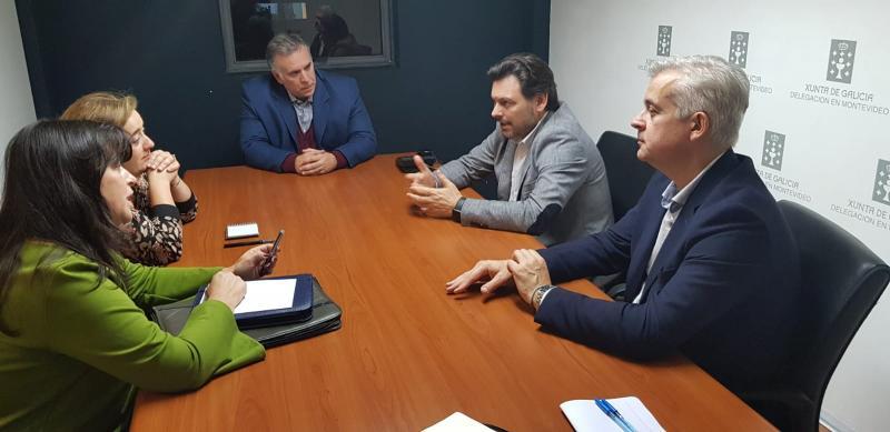 Imaxe da reunión do secretario xeral da Emigración con responsables da Asociación de Empresarios Galegos do Uruguai (AEGU)
