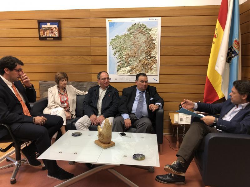 Imagen de la reunión celebrada en la sede de la Secretaría Xeral da Emigración en la capital de Galicia
