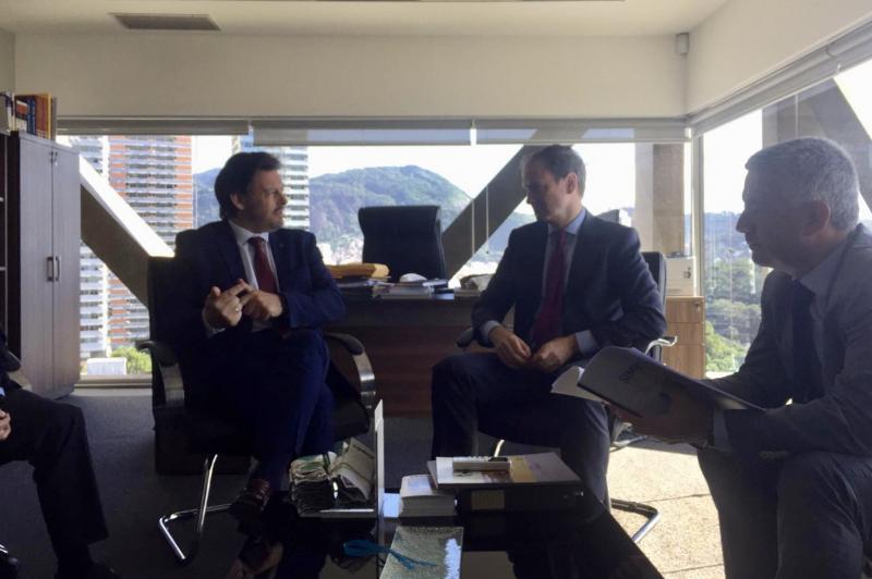 Antonio Rodríguez Miranda, Luis Prados Covarrubias e Valentín García, durante a reunión celebrada en Río de Xaneiro