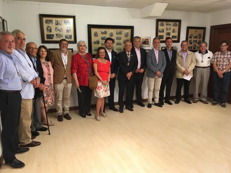 Imaxe do acto desta tarde na sede da entidade galega na capital de Cantabria