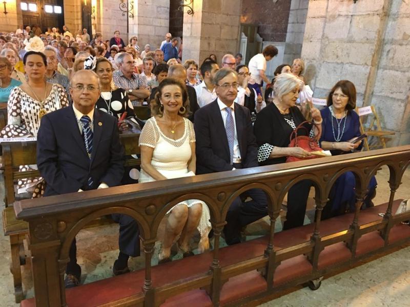 Foto 5: Santa Misa, celebrada na igrexa parroquial de Santa Lucía
